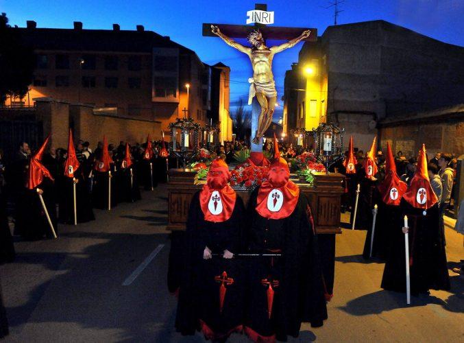 LA PRECESION DE CARIDAD DURANTE EL RECORRIDO, EN LA FOTO EL CRISTO DE LA AGONIA Fran Jiménez